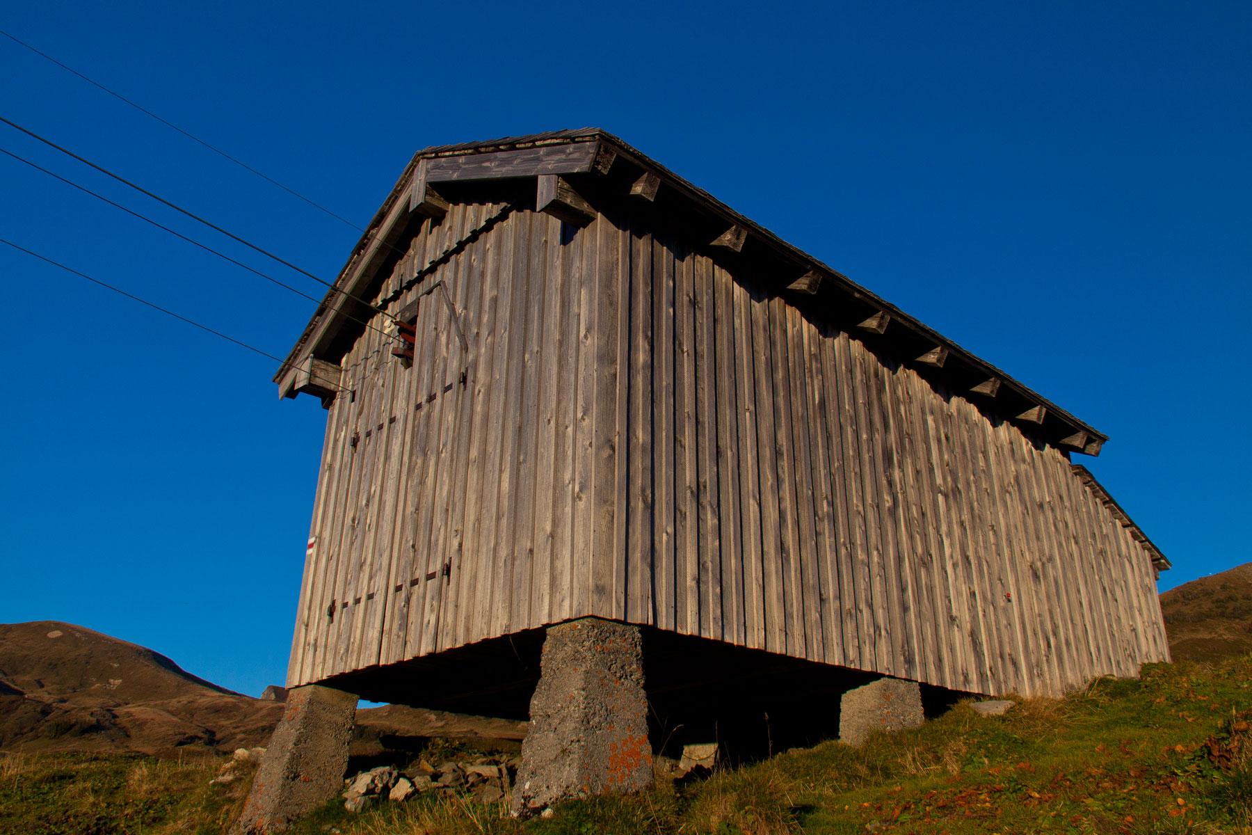 Hütte der Materialseilbahn Sünserseealpe; Seilbahn ins Mellental