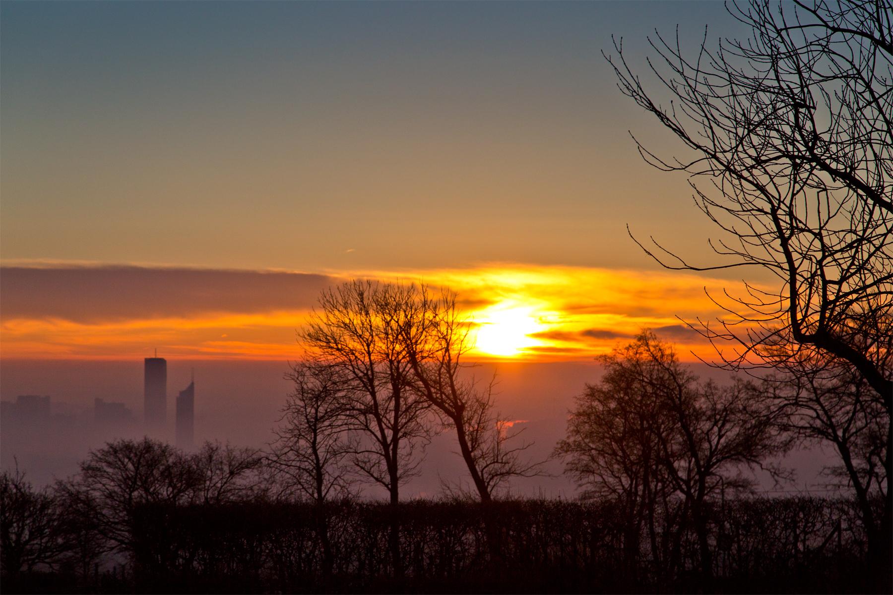Sonnenaufgang über Wien (Blick von Cobenzl)