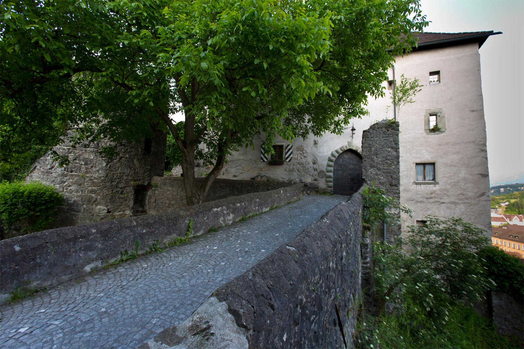 Zugang Schattenburg
