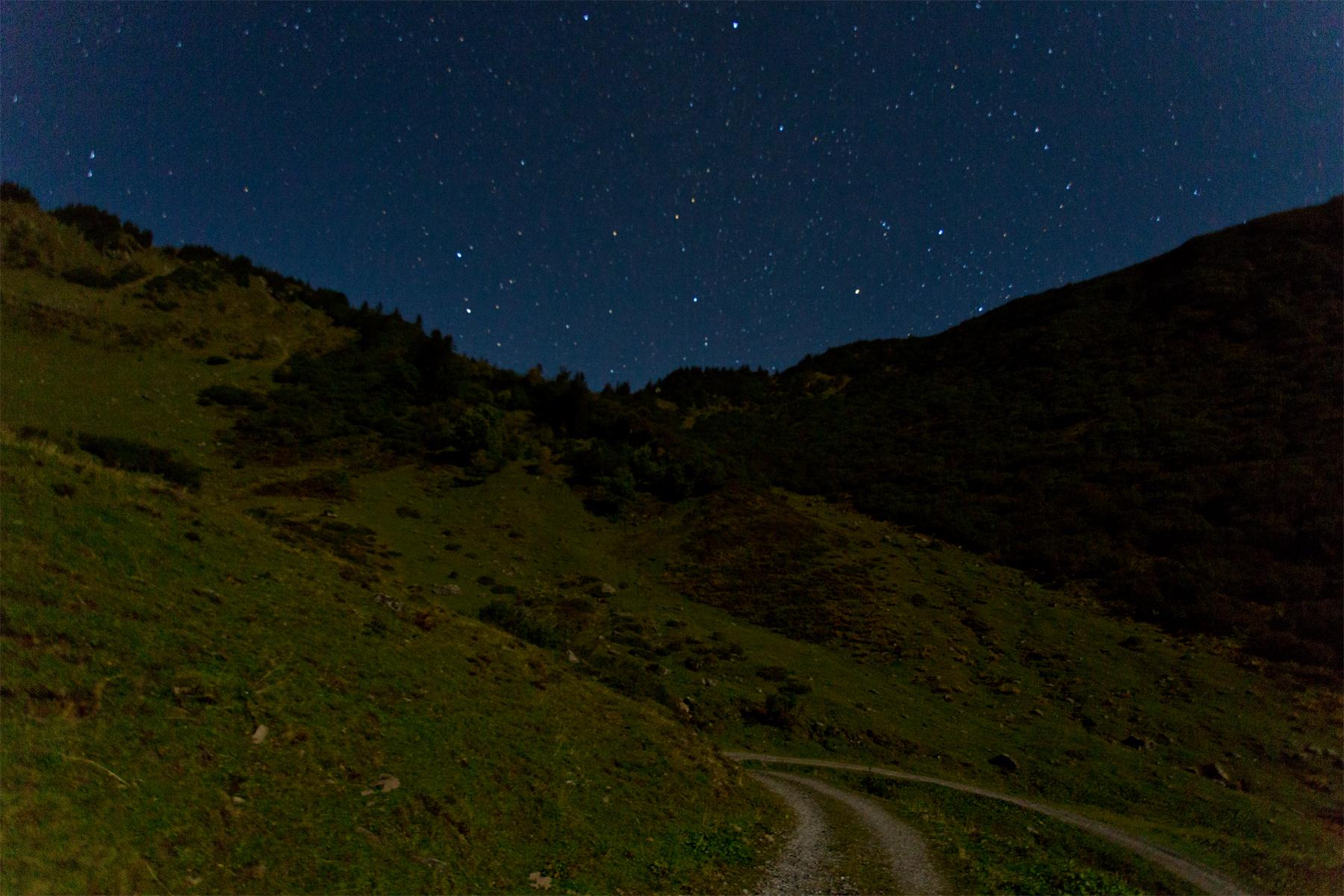 Sternenhimmel im Mondlicht