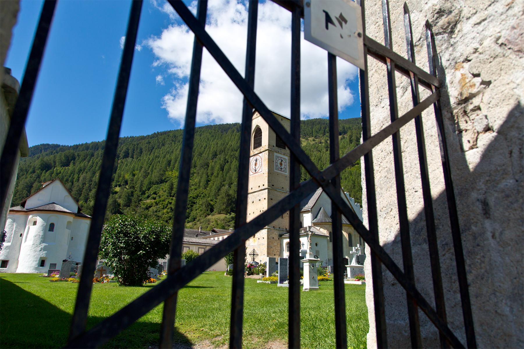 Blick durch das Gitter