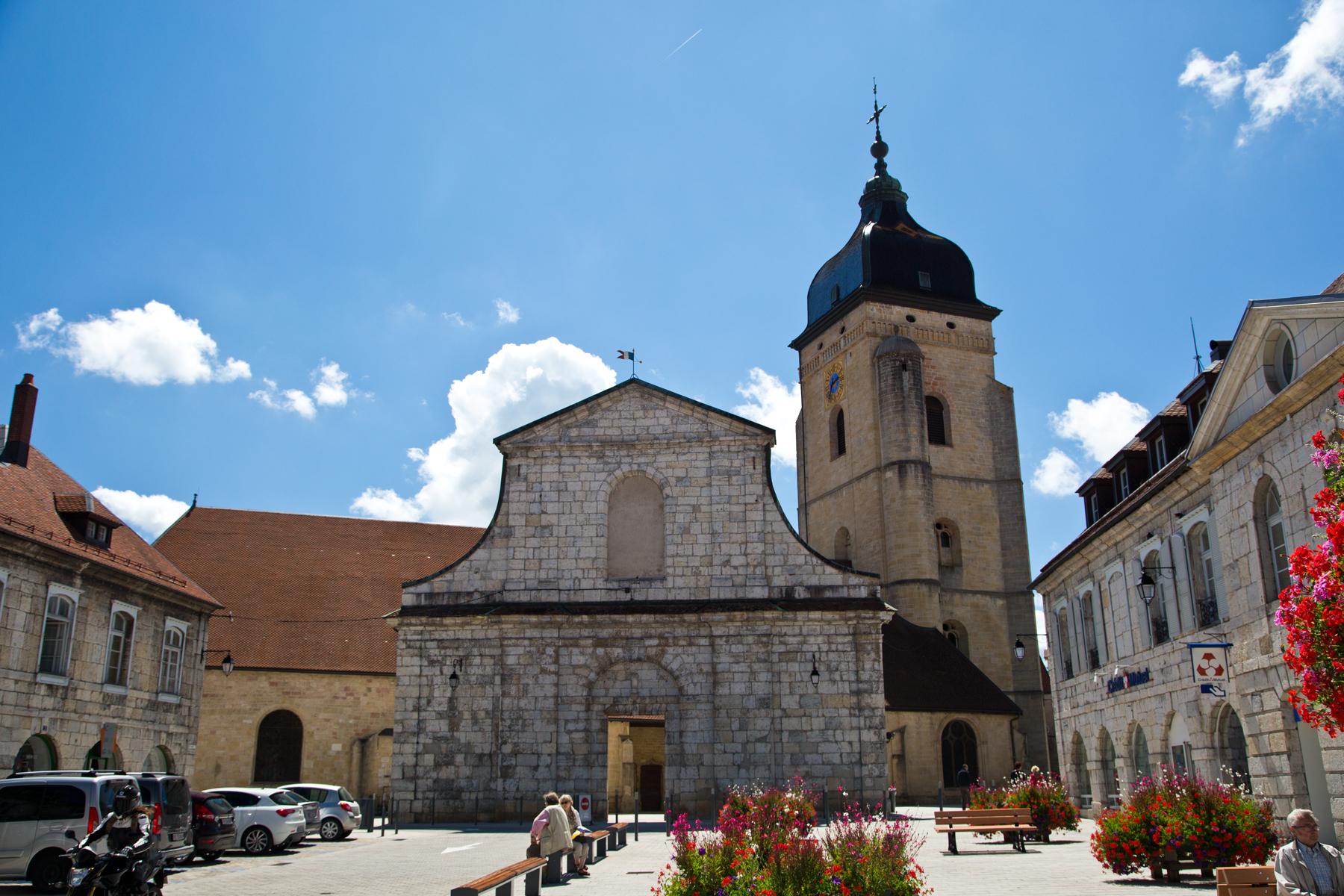 Pontarlier mit Kirche Saint-Bénigne