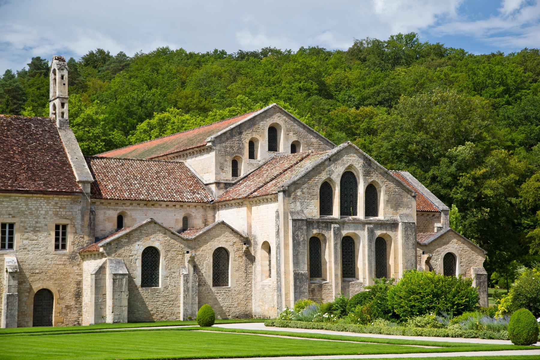 Ostfassade der Kirche