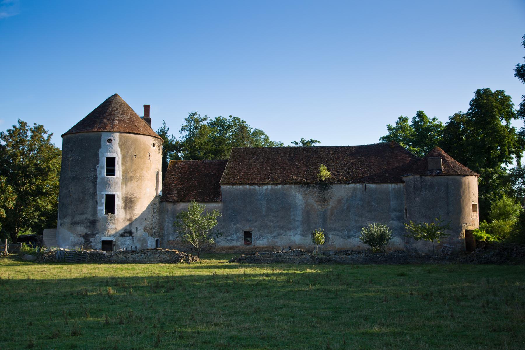 Schlossruine - Curtil sous Burnand