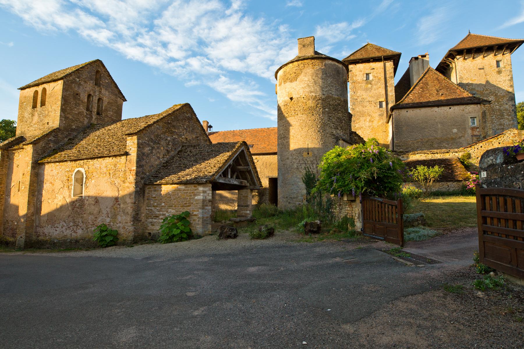 Schloss und Kirche - Chateau de Besanceuil