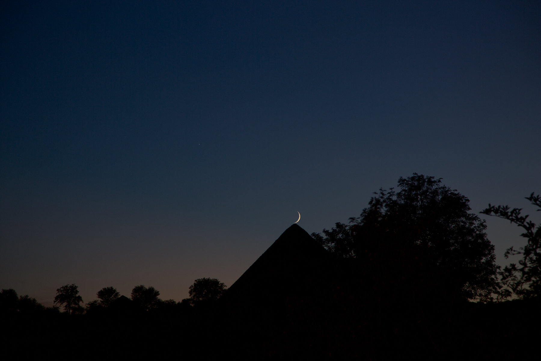 Turmspitze mit Mond