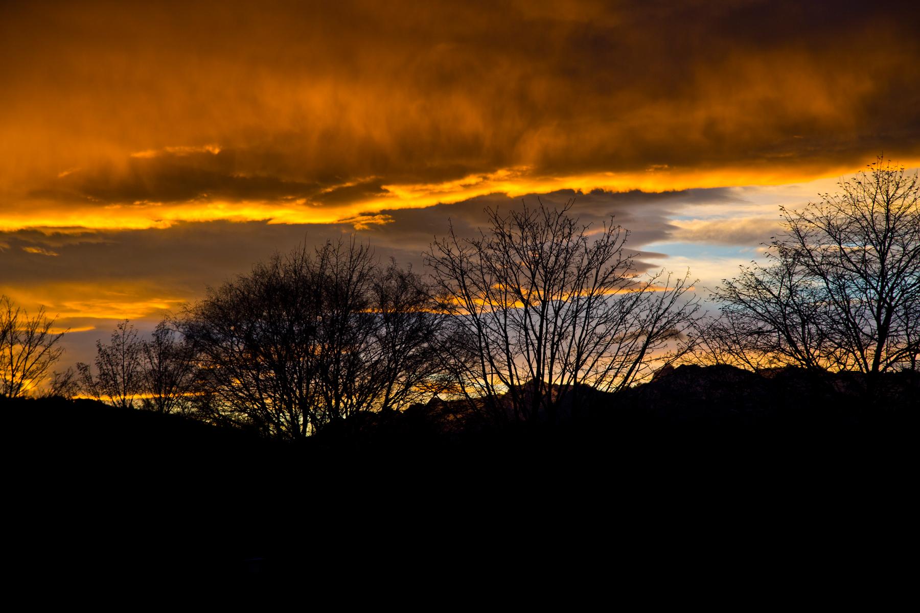 Oranges Wolkenband