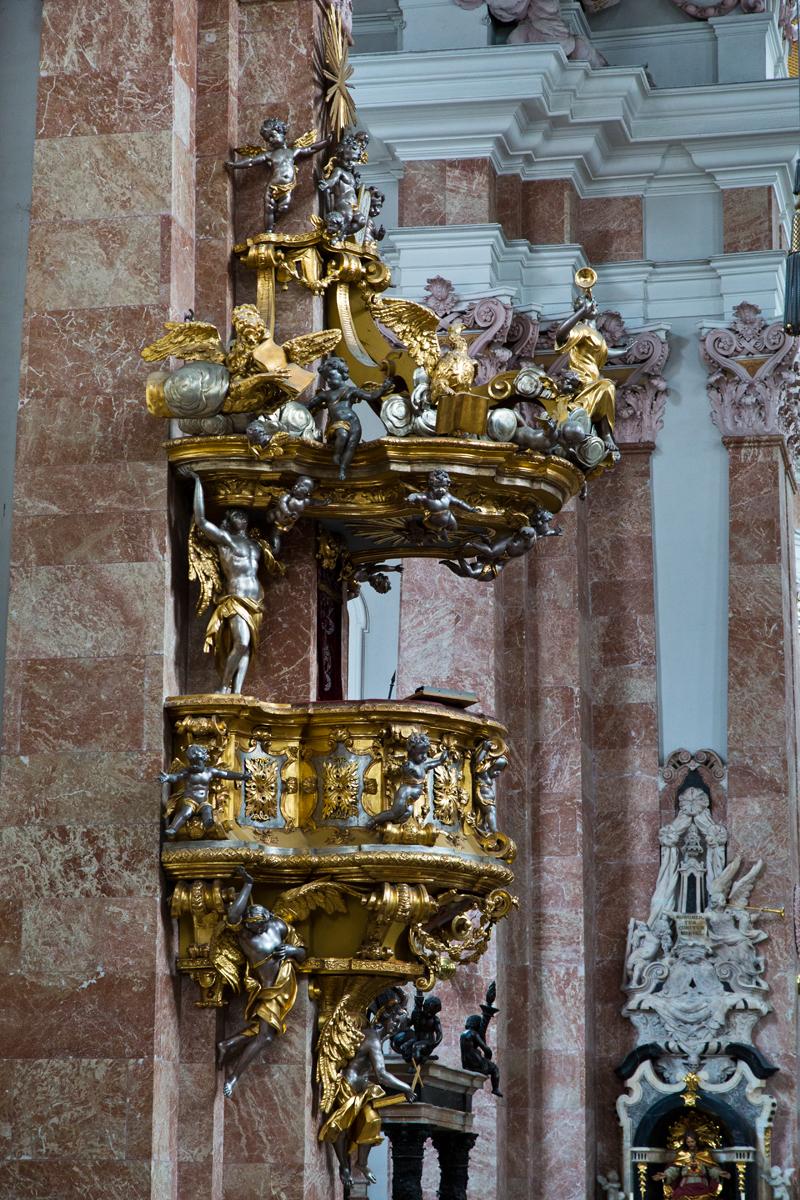 Kanzel (Schnitzerei Nikolaus Moll) - Dom St. Jakob Innsbruck