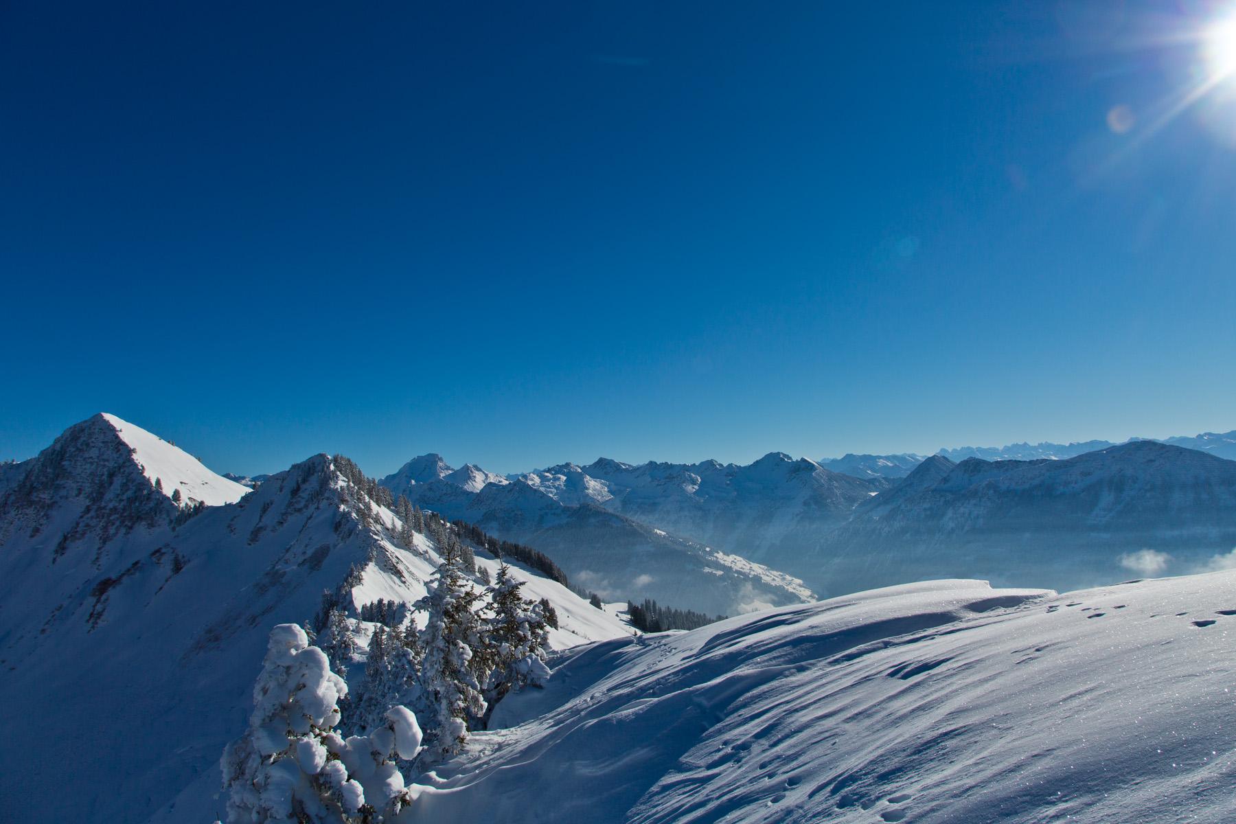 Mutabellspitze; dahinter Grosses Walsertal