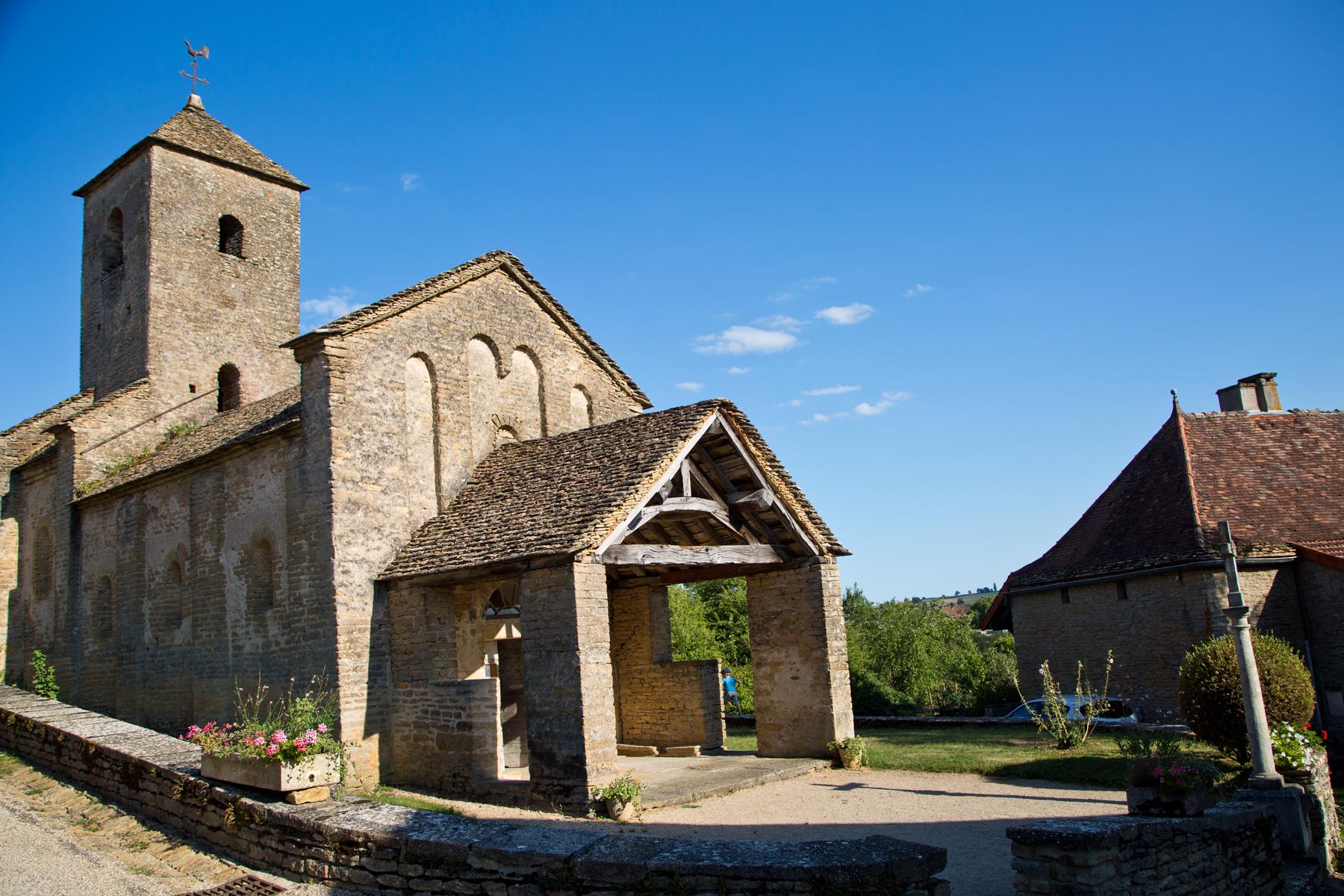 Bissy-sur-Fley-Kirche-Gotteshaus-Romanik-Maria Geburt
