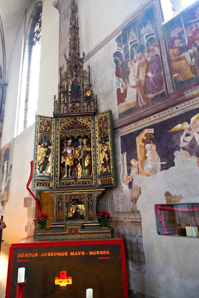 Seitenaltar, Fresken