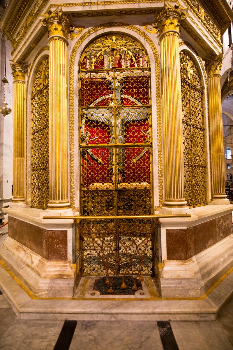 Tempietto des Volto Santo – achteckiger Marmorbau von Mateo Civitali (1484)