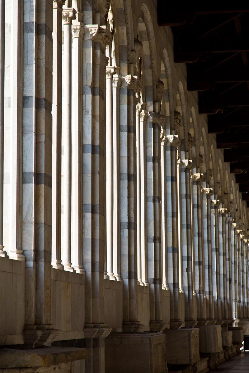 Fluchtline Säulen