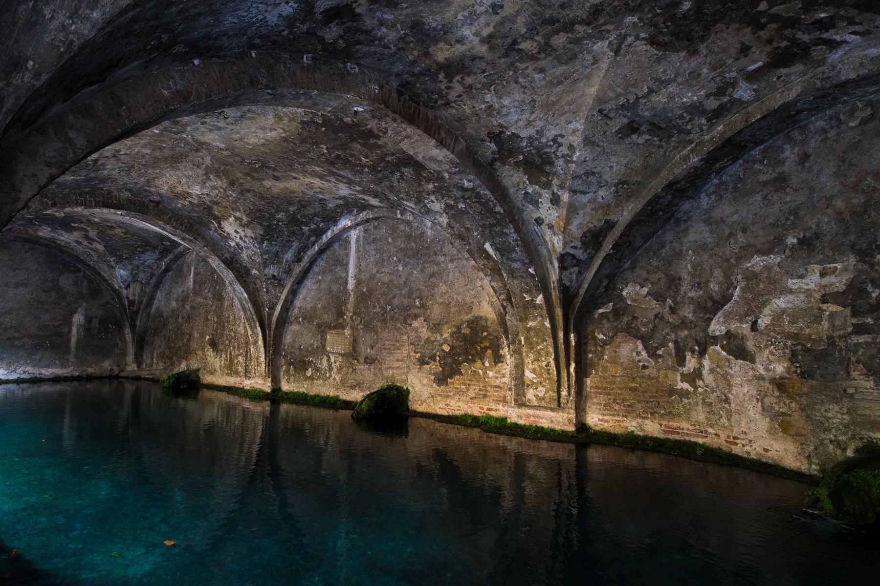 Gewölbe Brunnen Fontebranda. Dies