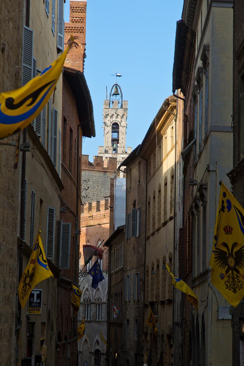 Gasse Blick auf Torre del Mangia