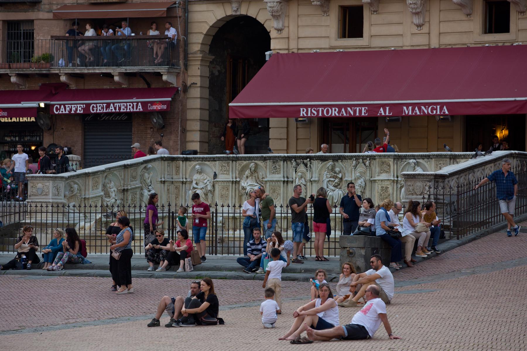 Auf dem Piazza del Campo