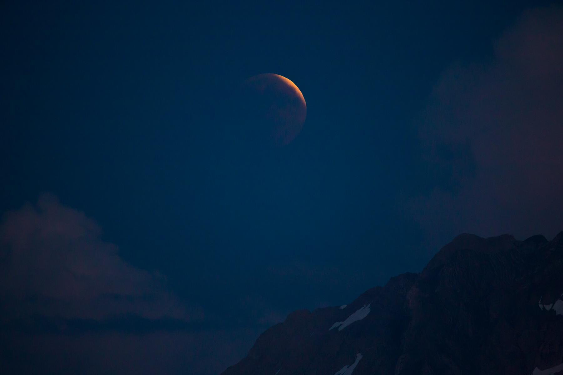Mond im Schatten
