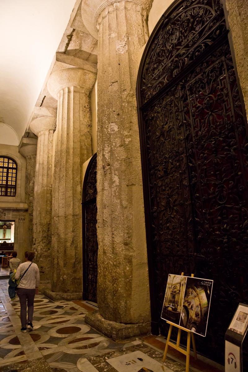 Ursprüngliche Säulen des Tempels