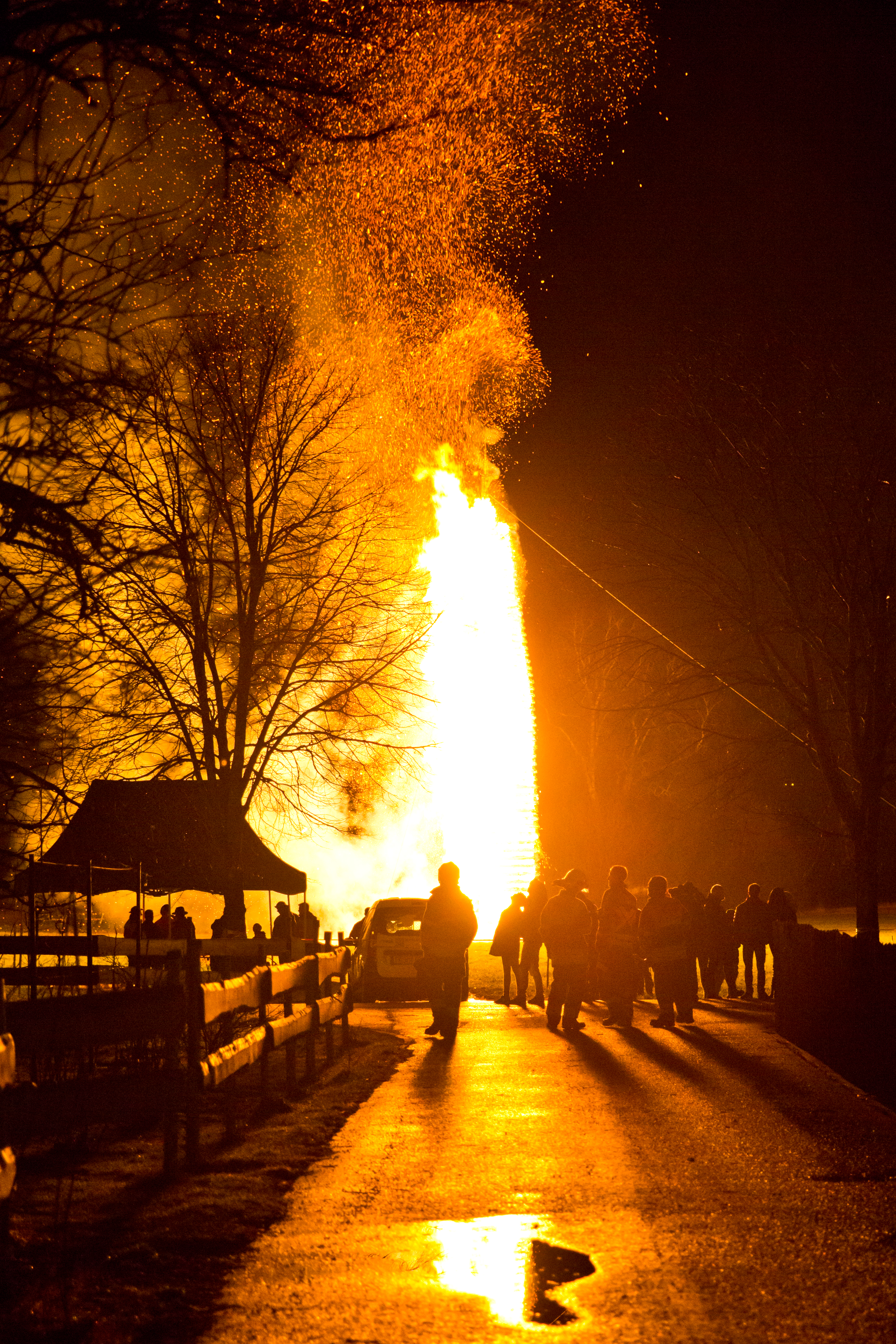 Funken-Brauchtum-Feuer-Zuschauer-Meiningen