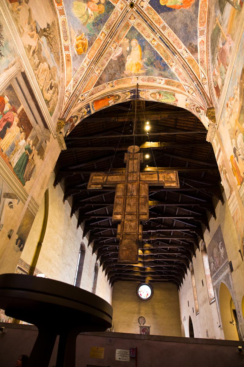 Ansicht von der Kapelle Bacci in das Kirchenschiff