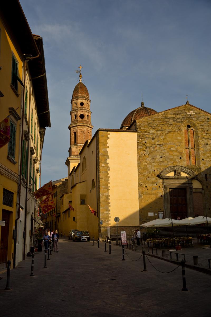 Via Carvour, Turm Santissima Annunziata