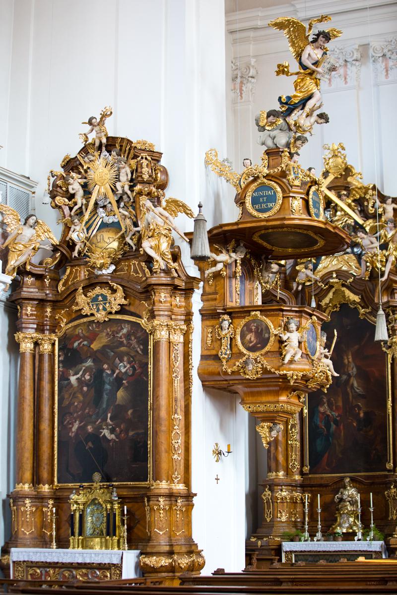 Seitenaltar mit Kanzel