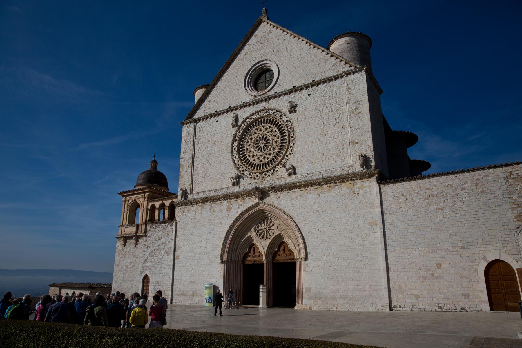 Vorplatz der Basilika