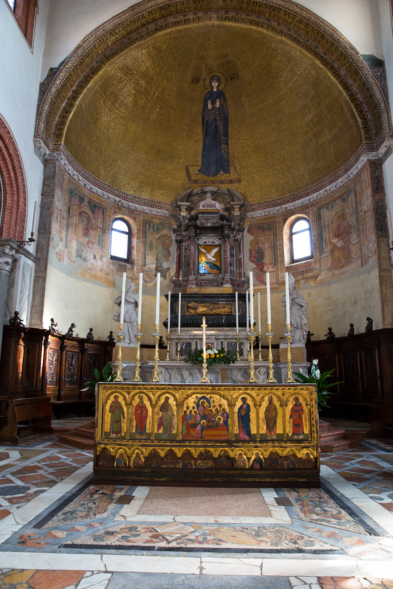 Presbyterium Kuppel Muttergottes byzantinisch